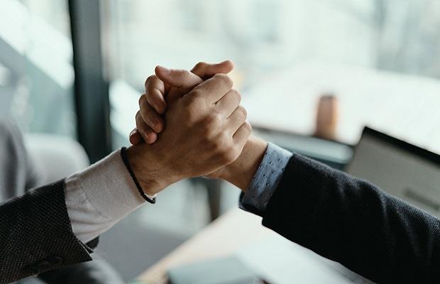 Read more about the article كيفية تعزيز أخلاقيات العمل والثقة في فريقك (لتحقيق نتائج أفضل)